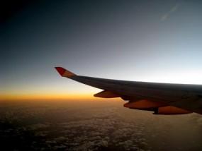 飛行機から日の出