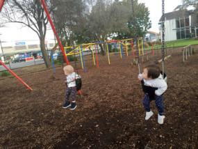 ニュージーランドの公園 赤ちゃん