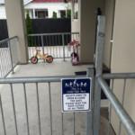 1か月かけて上のクラスに慣れる:NZの保育園