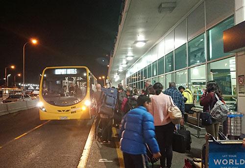 空港ホテルへのバス